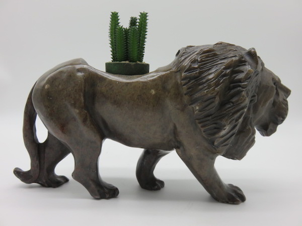 Lion Carved From Rapoko 3